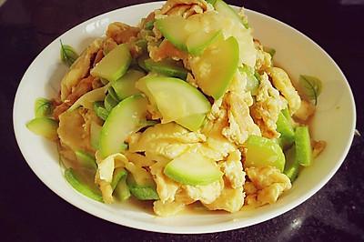 西葫芦炒鸡蛋~超级简单