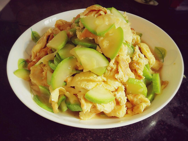西葫芦炒鸡蛋~超级简单的做法