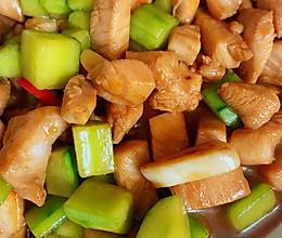 鸡胸肉炒黄瓜的做法
