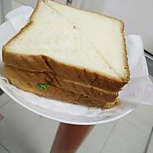 火腿肉松煎蛋三明治