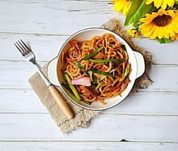 #花10分钟,做一道菜!#牛肉炒乌冬面的做法
