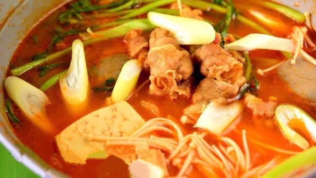 四步让你吃到和宋老公一样的韩国肥牛火锅的做法