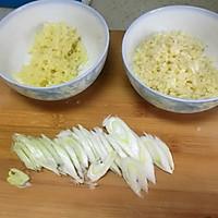 圆白菜炒饼丝—十分钟快手菜的做法图解2