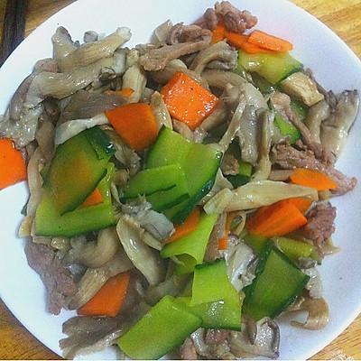 肉片炒平菇