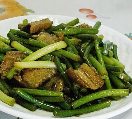 蒜苗炒肉片