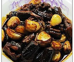 大蒜头烧黄鳝段的做法