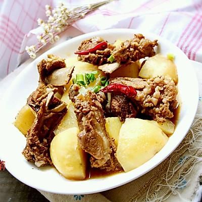 土豆烧排骨~土豆与排骨的完美邂逅