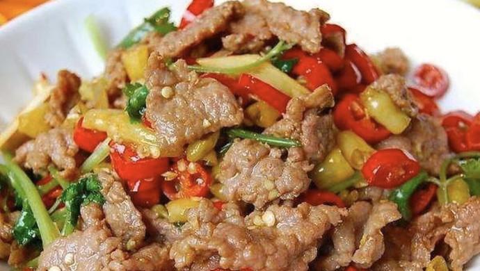 小炒牛肉(肉嫩味香)