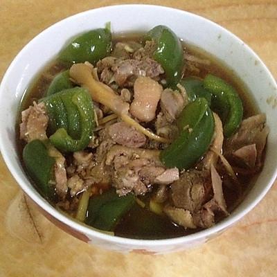 青椒黄焖鸭肉