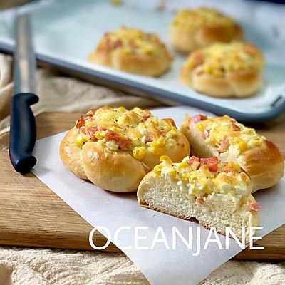 【早餐】会哭的玉米香肠沙拉面包
