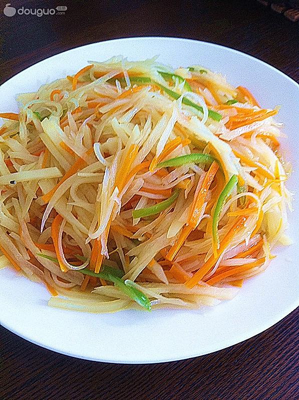 胡萝卜土豆丝的做法