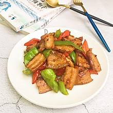 #就是红烧吃不腻!#五花肉炒辣椒