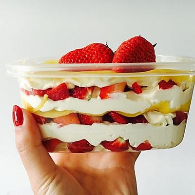 草莓千层饭盒