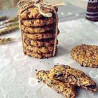高纤低脂的黑芝麻燕麦饼干