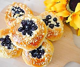 蓝莓酥粒排包的做法