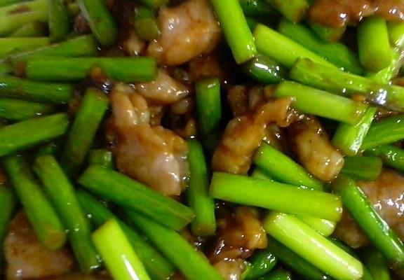 蒜蓉炒肉的做法