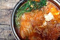 泡菜金针菇肥牛豆腐煲的做法