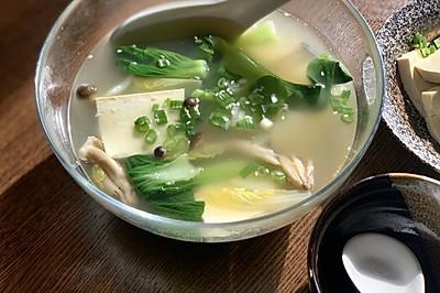 巨简单吃撑不长肉的蔬菜汤