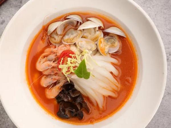 《春日食鲜》番茄海鲜面疙瘩的做法