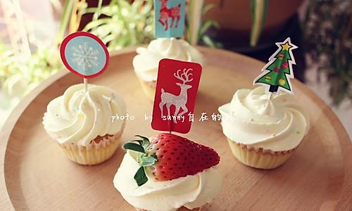 海绵纸杯蛋糕~圣诞节可爱小点心#九阳烘焙剧场#的做法