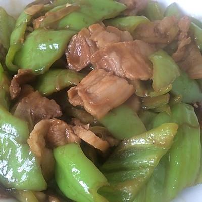 尖椒回锅肉的做法 步骤6