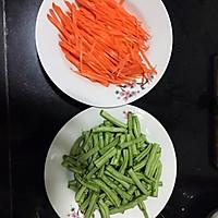 鸡丝豆角焖面-炒鸡好吃的做法图解2