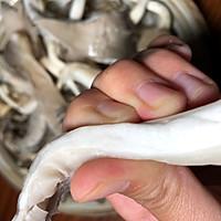 干炸蘑菇(平菇)的做法图解2