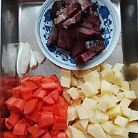 腊肉焖饭#美的初心电饭煲#的做法图解2