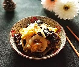 洋葱木耳炒蛋#快手又营养,我家的冬日必备菜品#的做法