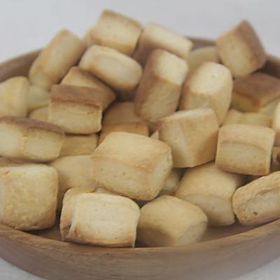 休闲小吃——牛奶方块饼干
