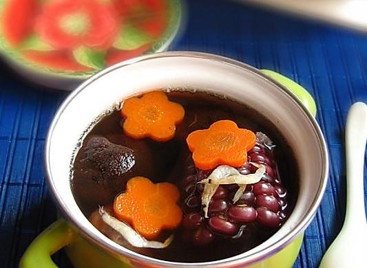 红蘑虾皮玉米汤