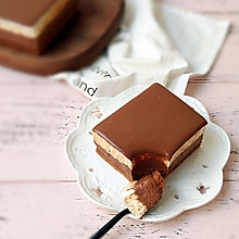 双色巧克力慕斯蛋糕