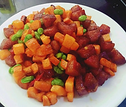 青豆胡萝卜炒腊肠的做法