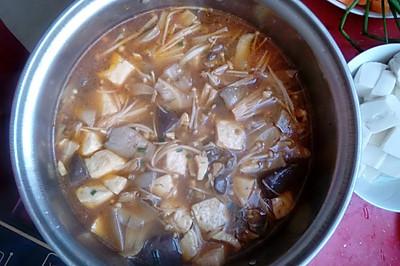 麻辣鸭血豆腐汤。