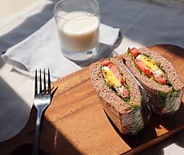 减脂低卡早餐|全麦培根三明治的做法