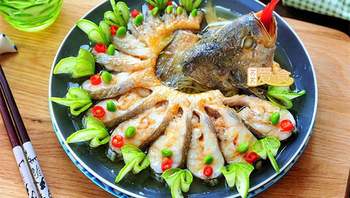 8分钟蒸出夏日最惊艳的宴客鱼——不会做鱼的妹纸看过来