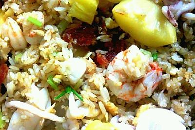 菠蘿海鮮飯