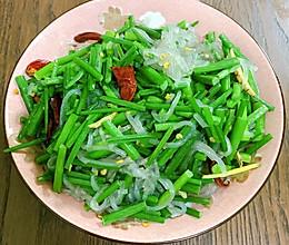 韭菜花炒粉的做法