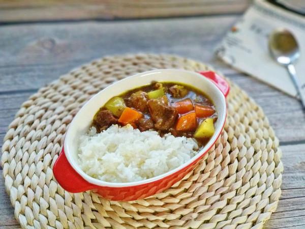 咖喱粉版咖喱牛肉饭的做法