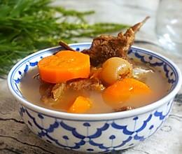 黄芪灵芝猪骨汤的做法