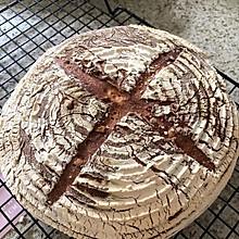健康营养的全麦农夫面包
