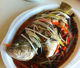 香菇木耳蒸鲈鱼的做法