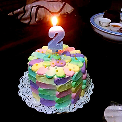 彩虹蛋糕裱花