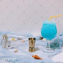 #夏日冰品不能少#Q萌的鸡尾酒—蓝精灵