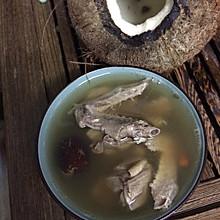 椰子汁炖鸽子