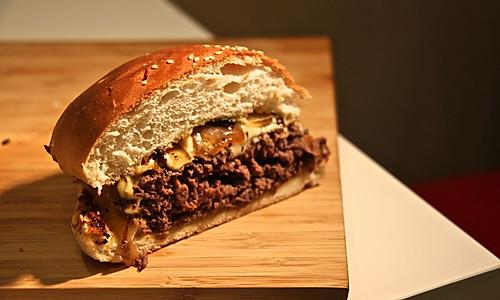 [汉堡实验室]黑椒牛肉汉堡——The Demons的做法