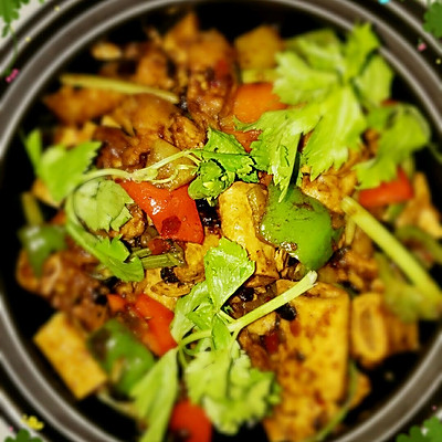 超下饭豉香五花干锅腐竹煲