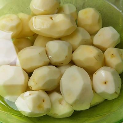 小土豆油焖五花肉的做法 步骤1
