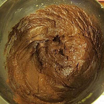 献给最爱的TA - 红丝绒纸杯蛋糕的做法 步骤5