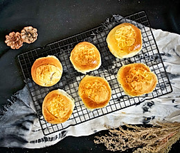 #精品菜谱挑战赛#酥皮豆沙包的做法